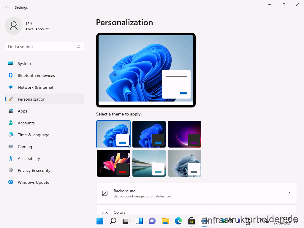 Settings  Local Account  F-ind a setting  System  Bluetooth & devices  Network & internet  Personalization  Apps  Accounts  Time & language  Gaming  Accessibility  Privacy & security  Windows Update  Personalization  Select a theme to apply  Background  Background image, color, slideshow  Colors  ENG  27/09/2021